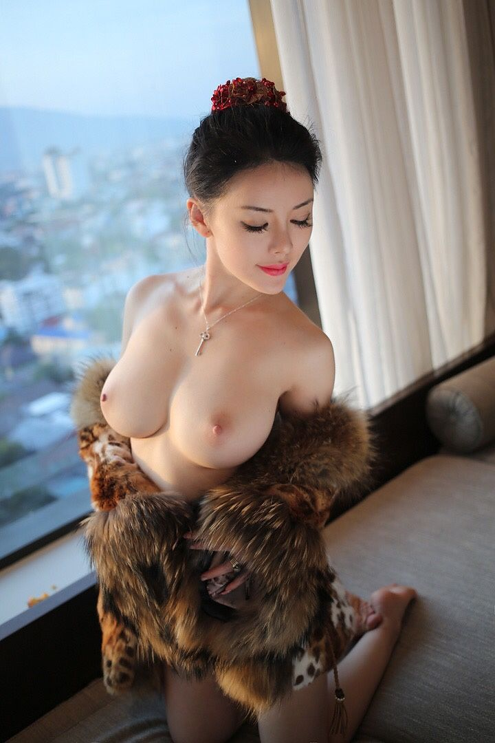 naked chinese natural beauty