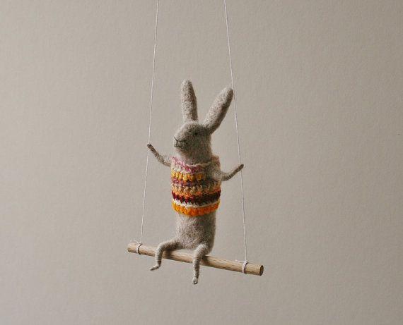 Grijze Bunny op schommel naald Gevilte dier kwekerij door healoom