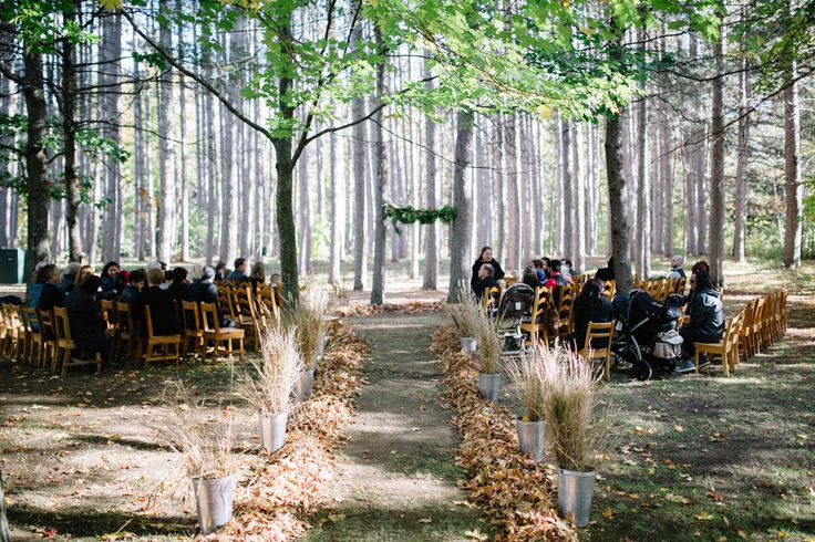 Colorful fall wedding at la Seigneurie des Aulnaies, in Quebec, Canada. Styling by Sparks Weddings