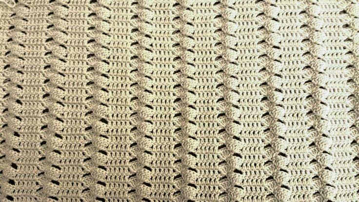 Copertina per neonato in lana Merino extrafine,  lavorazione con uncinetto n.4 Baby blankett wool Merino extrafine,  crochet n.4