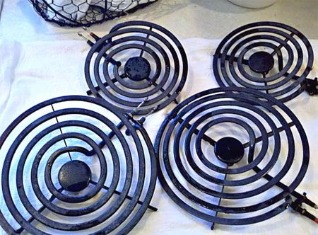 Cleaning stove burners and pans with no scrubbing! One of the best tips on Pinterest!