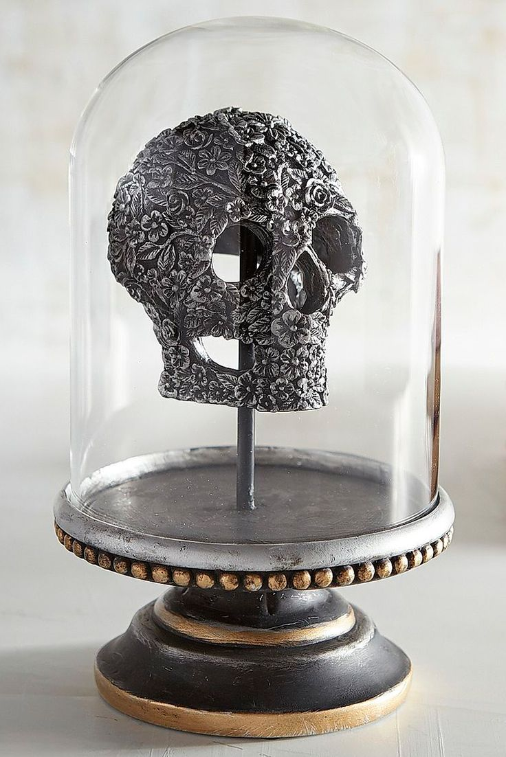 25 best images about halloween entertaining decor on - Exclusive decoration of book shelf ...