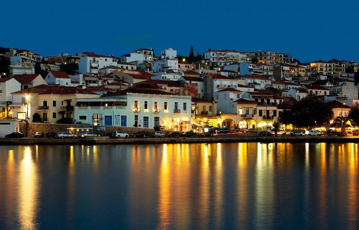 Pylos by night!