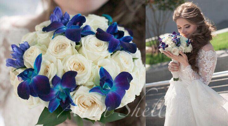 Букет невесты с синими орхидеями  Бело синий букет невесты