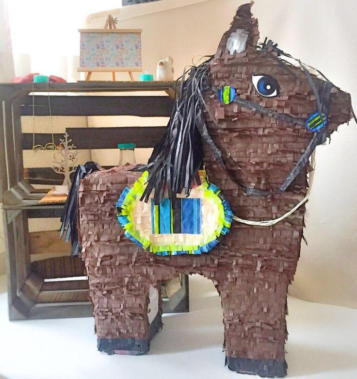Piñata de caballo 65 cm altura   $480 pesos + gastos de envío   #PonDeModaLasPiñatas  Síguenos en Facebook - Boutique de Piñatas