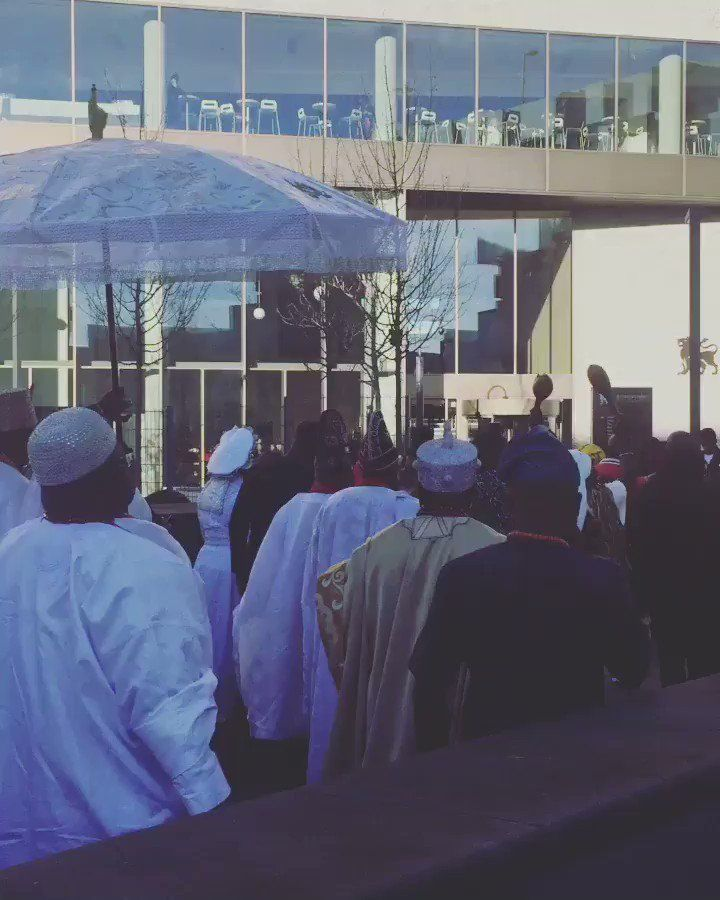 RT @benjorama: The arrival of His Imperial Majesty King Adeyeye Enitan Ogunwusi (@OoniAdimulaIfe) the Ooni of Ile-Ife at @MyBCU #King #Ooni #Ife #Yoruba #Nigeria #Africa #Birmingham #UK #entourage #music http://bit.ly/2Au756y