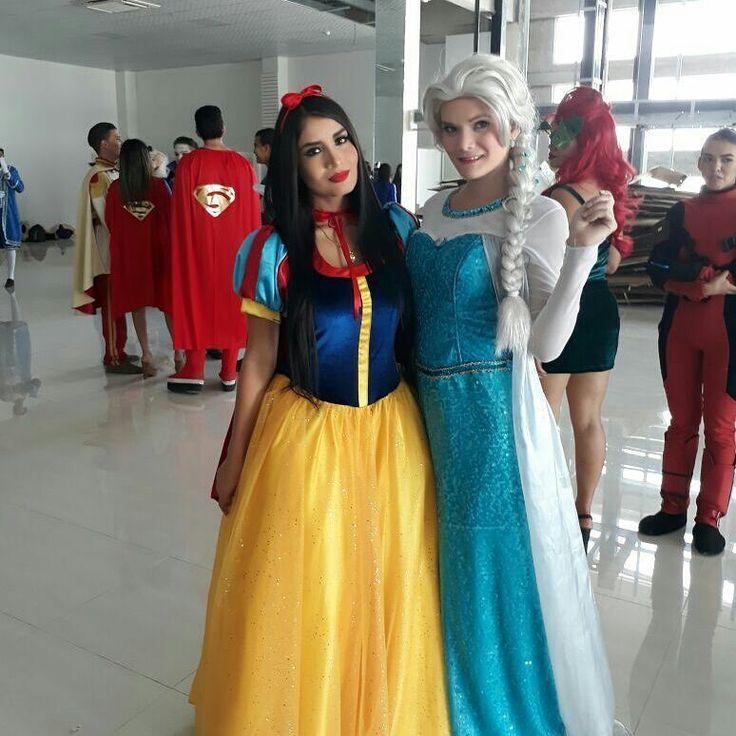 Inaguracion @pelucasypostizos segundo día de trabajo linda experiencia . . . @yuleysicocasuarez @emilicardoz @bryan_k021 . . . #eventos #work #disfraces #hoy #ecuador #venezolana #trabajo #inaguración #pelucasypostizo  #pelucasypostizosgenerasonrisas #disney #seperheroes #desfiles #pelucas  #blancanieves #frozen #elsa #ana #rapunzel #pocahontas #princesasdisney #principes #princesa http://misstagram.com/ipost/1616444172105790916/?code=BZuw2kFnbXE