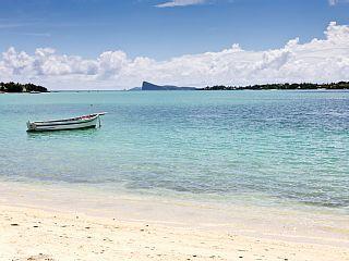 Grand+Bay+Villa+grand+Standing+op+het+water++Vakantieverhuur in Grand Baie van @homeaway! #vacation #rental #travel #homeaway