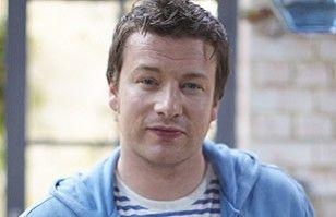 Imperdible video: Jamie Oliver, el conocido chef, se maquilla como Madonna
