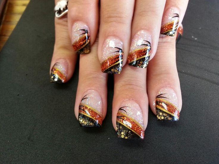 Acrylic nail art Halloween colors