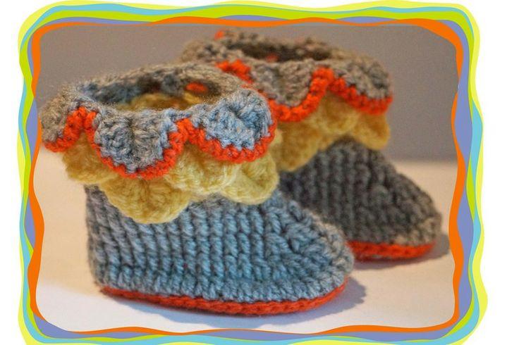 Baby- Schuhe ♥ Stiefel mit Rüschen♥  von Sternen - Welt auf DaWanda.com
