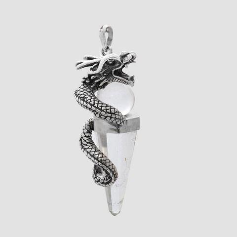 Pandantiv din argint -dragon pe cuarț și bila de cristal