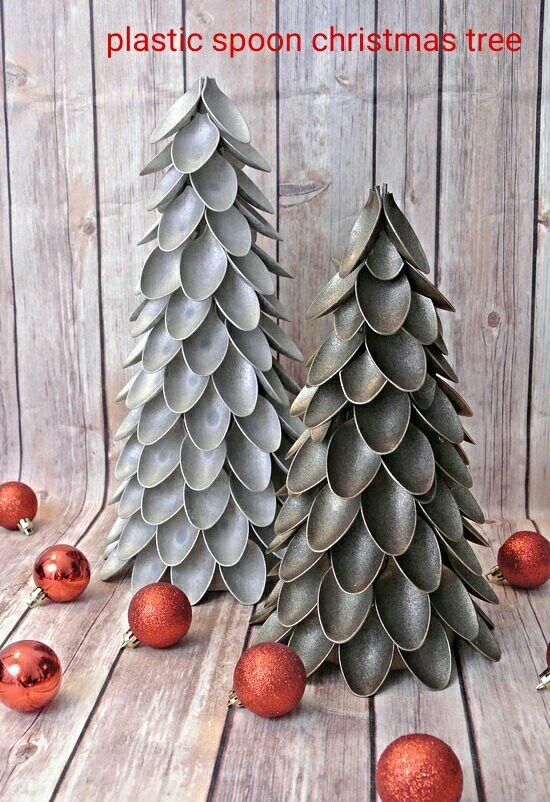 Paper cone, plastic spoons and metallic spray paint and voila plastic spoon christmas tree. Easy project. sprinkle glitter for sparkle.