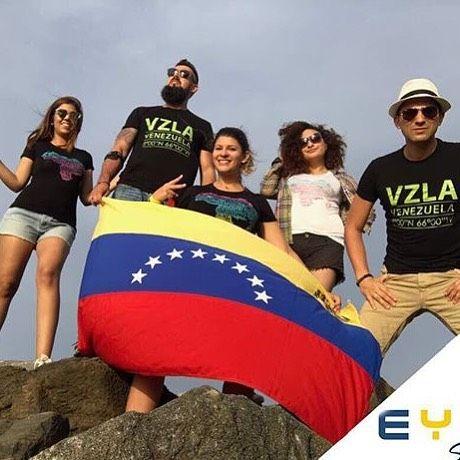 ESPERANZA es hoy la bandera de #Venezuela  @eyg.style   www.eygtextiles.com . #DirectorioMModa #MModaVenezuela #MModaIntl #hechoenvenezuela #diseñovenezolano #moda #fashion #accesorios #accesories #new #ootd #instafashion #fashionlover #fashionbloggers #venezolanosenelexterior #miami #latinoamerica #worldwide