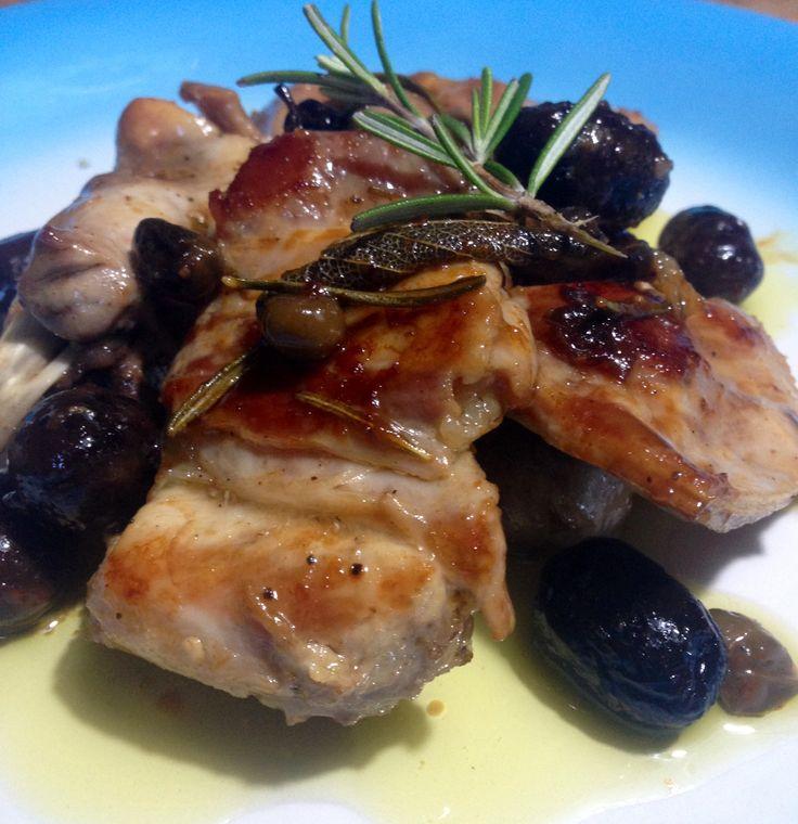 Coniglio con olive e capperi