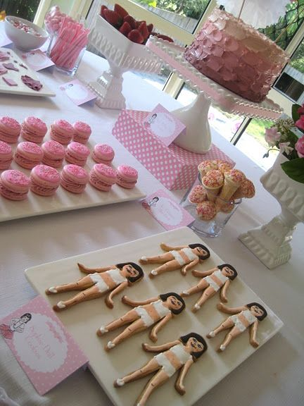 Dress up doll cookies...before dressing