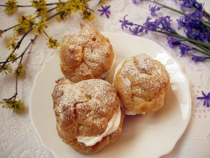 A képviselőfánk sem mai találmány, de ez a fenséges karamellkrém is még akkor született, amikor nem létezett karamella ízű pudingpor