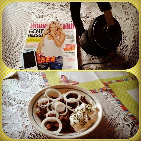 #Gyros am #Abend erquickend und labend. :) #hallomeinefreundin #hallomeinfreund #gohardorgohome #ladyfitness #fitness #fitnesslifestyle #instafit #fitgirls #mcfit #sheliftsbro #beanathlet #natural #naturalathletin #mcfitwürzburg #highfivewürzburg #lowcarb #philipps #new #headphones #womenshealth #onions #protein #svenia #brownsugar by svenia_shades