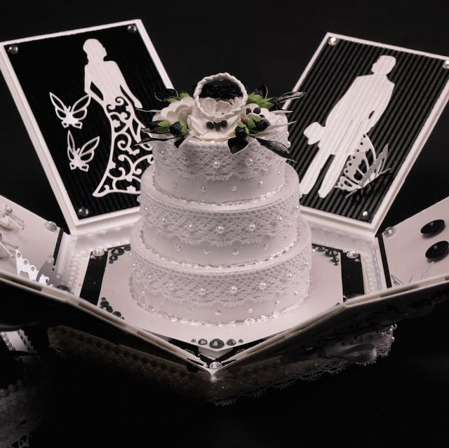 Mitt Lille Papirverksted: Black and Withe Wedding