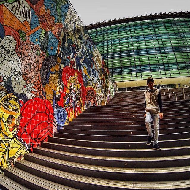 #best_streetview #LOVES_STREET #streets_oftheworld #ig_street #ig_streetpeople #Super_Lisboa #stairwalkers #tv_fisheye  #IG_PORTUGAL #splendid_urban #PeopleWalkingPastWalls #streetstylesgf #rsa_streetview #hdr_portugal  #amoteportugal_ #alexcolor #collection_street #alexcolor #JJ_GEO_066 #JJ_GEOMETRY