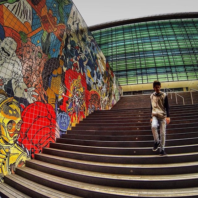 #best_streetview #LOVES_STREET #streets_oftheworld #ig_street #ig_streetpeople #Super_Lisboa #stairwalkers #tv_fisheye  #IG_PORTUGAL #splendid_urban #PeopleWalkingPastWalls #streetstylesgf #rsa_streetview #hdr_portugal  #amoteportugal_ #alexcolor #collection_street #alexcolor #JJ_GEO_066 #JJ_GEOMETRY