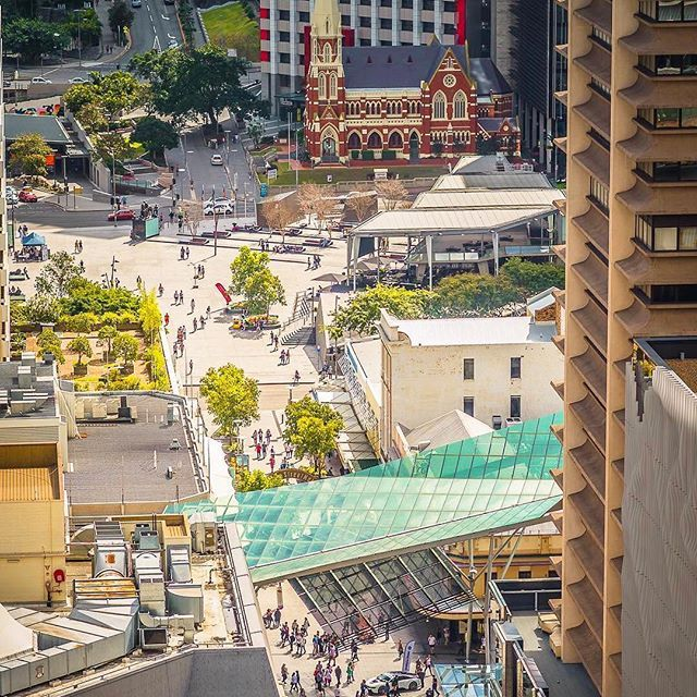 Start of the lunchtime rush in Brisbane CBD  where is your favourite lunch spot? We are always craving @corbett_claude    @l_kay0