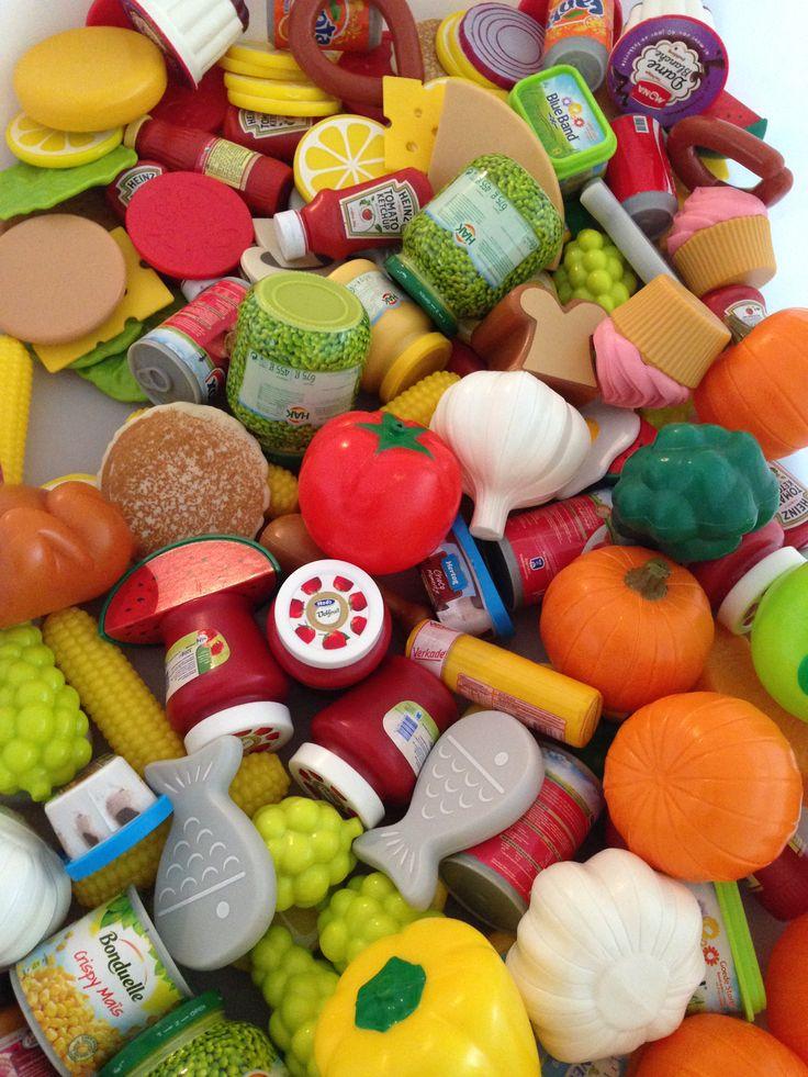 Een activiteit met kleuren, tellen, sorteren, vergelijken en mini