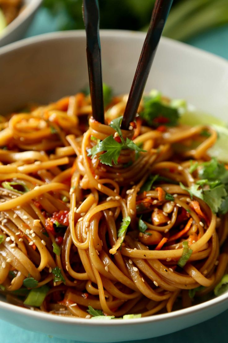 Spicy Thai Noodles | Ready in just 20 minutes, these spicy Thai noodles are made with everyday ingredients and insanely flavorful!