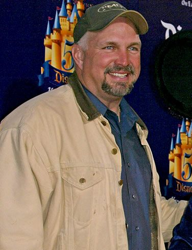 Country Singer Garth Brooks was born on February 7, 1962