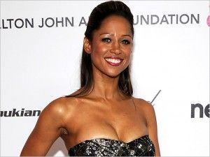 Stacey Dash Hairstyle, Makeup, Dresses, Shoes and Perfume - http://www.celebhairdo.com/stacey-dash-hairstyle-makeup-dresses-shoes-and-perfume/