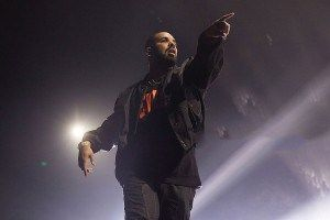 Drake Sends Shot at Tory Lanez on 1st Night of Summer Sixteen Tour #thatdope #sneakers #luxury #dope #fashion #trending