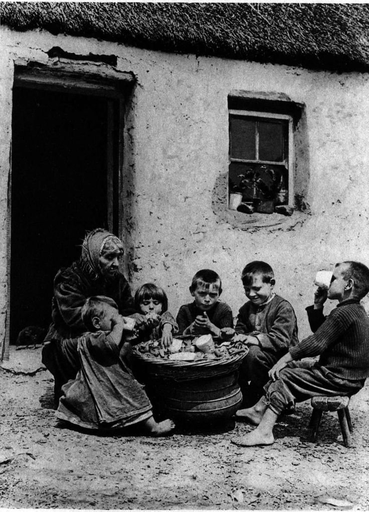 Lunch time, Ireland in 1915