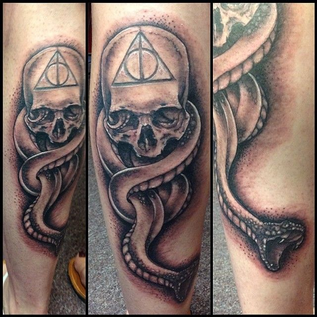 I got to do another death eater tattoo today! This time on a calf and in black…