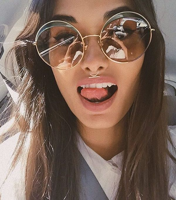 gizele-oliveira-tumblr-round-sunglasses
