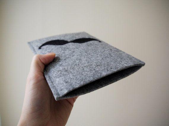 black mustache kindle cover! felt handmade kindle sleeve. kindle paperwhite cover. felt kindle cover. gray kindle etui. wool cover.