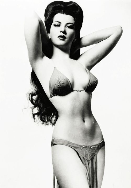 Burlesque dancer Sherry Britton c. 1940's  good lawd.  She's perfect