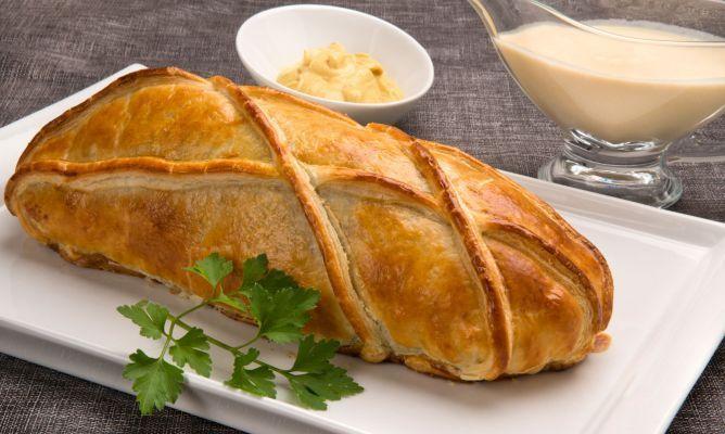 Karlos Arguiñano presenta el solomillo Wellington, un plato de origen anglosajón en el que se cubre el solomillo con foie y douxelle (salsa de champiñones y chalotas), se