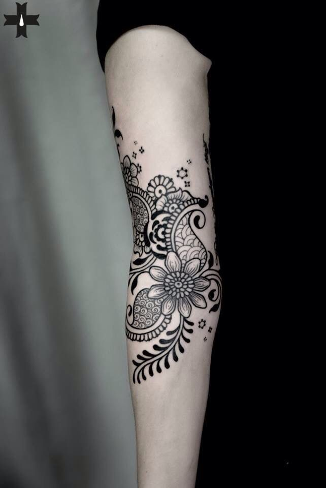 best 25 paisley tattoo sleeve ideas on pinterest. Black Bedroom Furniture Sets. Home Design Ideas