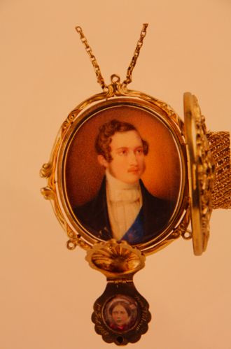 1830s miniature double locket of Prince Albert and Queen Victoria