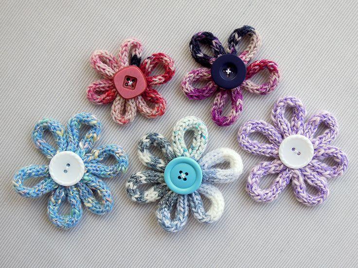 Kijk wat ik gevonden heb op Freubelweb.nl: een gratis werkbeschrijving van Georgina Gies om deze bloemen te maken https://www.freubelweb.nl/freubel-zelf/zelf-punniken-bloemen/