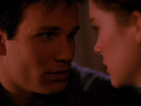 Recap of Twin Peaks Season 1 Episode 4 (S01E04) - 10