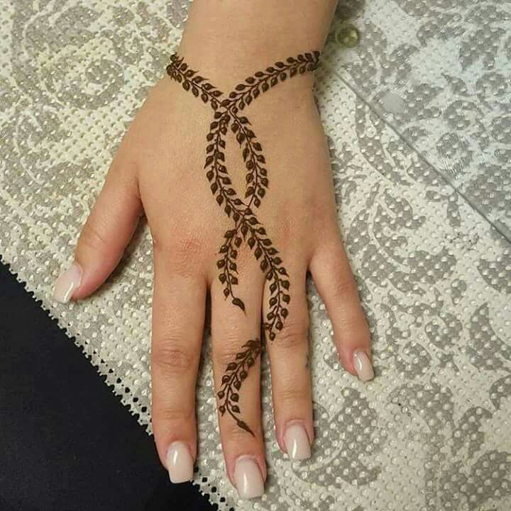 Twist Leaf Mehndi Design Good Option For Brides Who Dont Want Full Bridal Their Indian Wedding