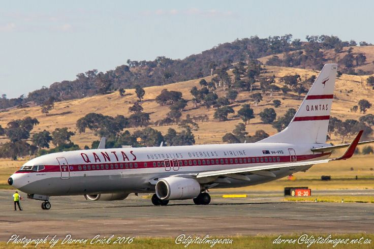 Retro Roo II of @qantas at #Canberra, a modern @Boeing 737 with a 1960's #Qantas paint scheme #avgeek #aviation #cbr