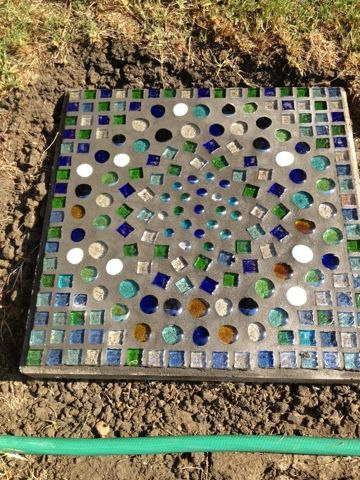 Glass Mosaic Stepping Stone: great to do with son - helpfull list of supply.