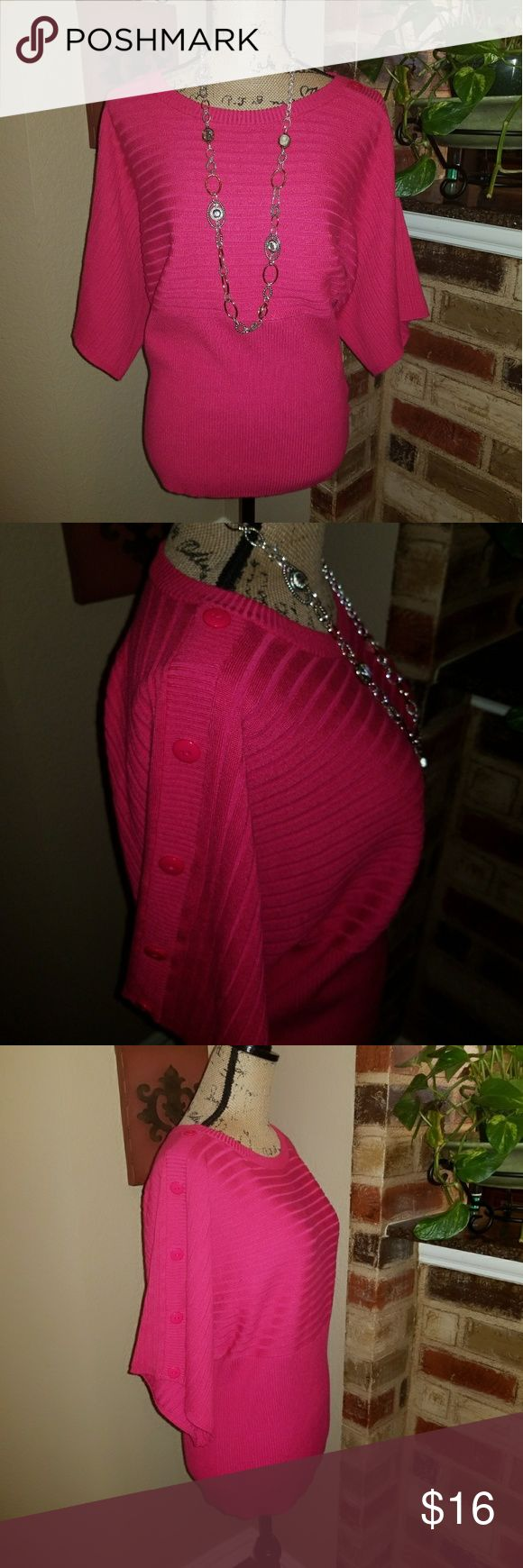 🎄Joseph A Hot Pink Top Darling Deep Hot pink Top that has an Empire waistline. Very slimming! Ribbed sweater and has Buttons down shoulder and sleeve. Excellent condition. Joseph A Tops