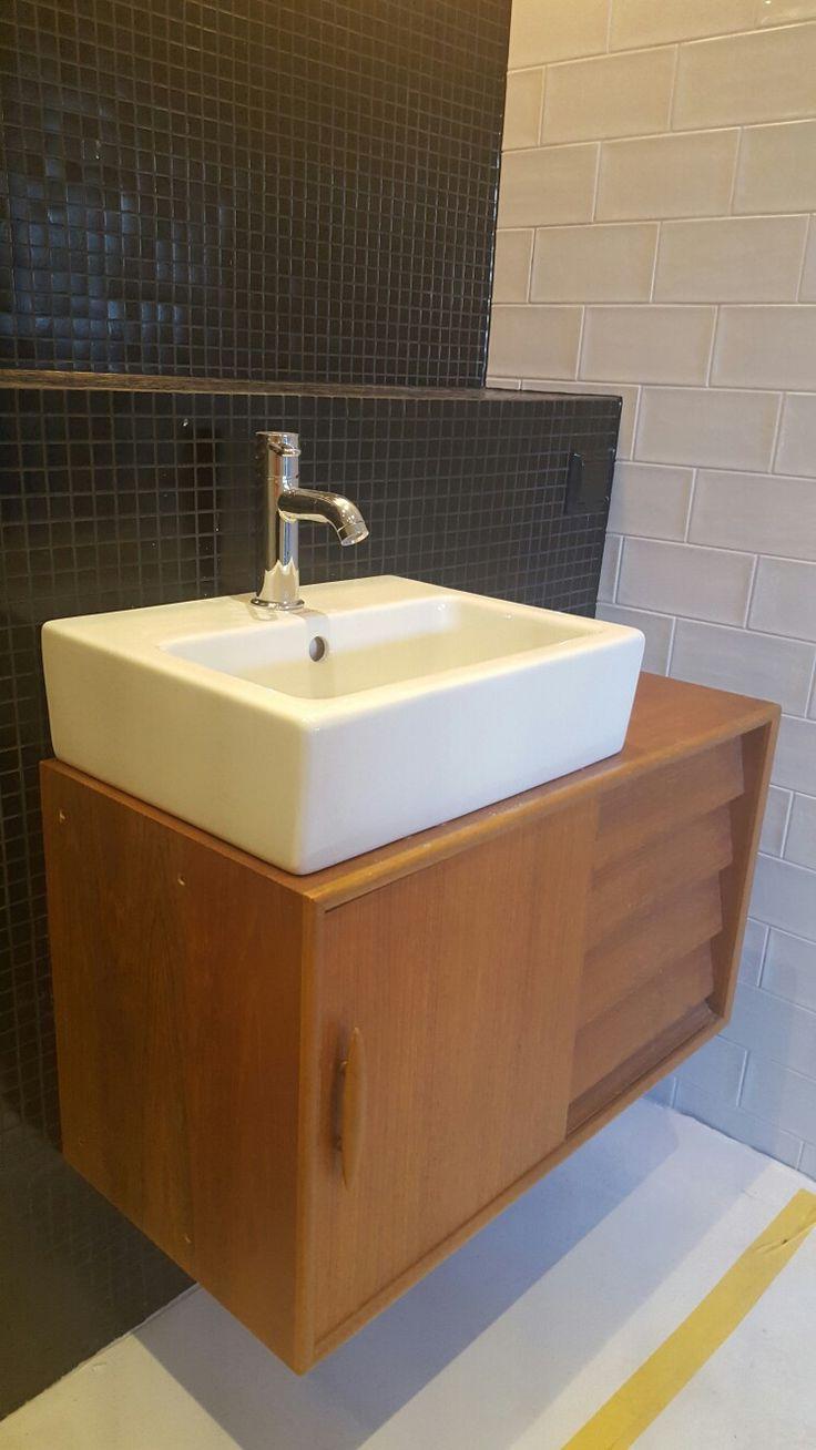 Egen konstruktion i brist på snygga badrumsmöbler