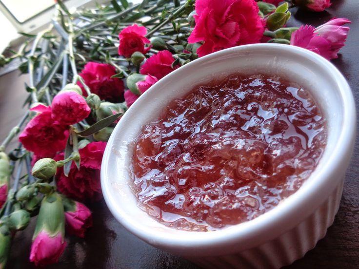 Bulharský jam z ruží