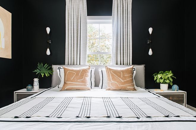 Benjamin Moore Wrought Iron The Guest Bedroom Breaks Tradition With The Wall Finish And Features Dar Black Bedroom Decor Black Bedroom Furniture Bedroom Design