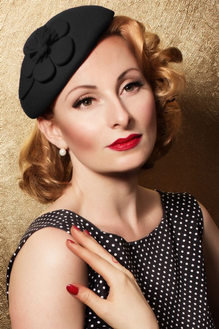 Swoon - 40s Flower Fascinator Hat in Black #topvintage