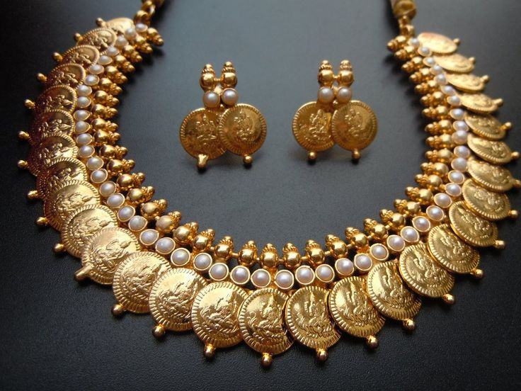 Searching for that ethnic yet contemporary jewellery piece for parties or festivals?? Have a look!! This one will surely grab your attention. www.citynu.com
